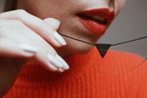 Nox Necklace Triangle